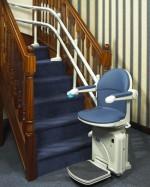 Treppenlift   2-Rohr System gerader Auslauf :: Kurviger Treppenlift
