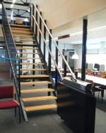 Plattformlift Innen :: Parkkurve im Obergeschoß